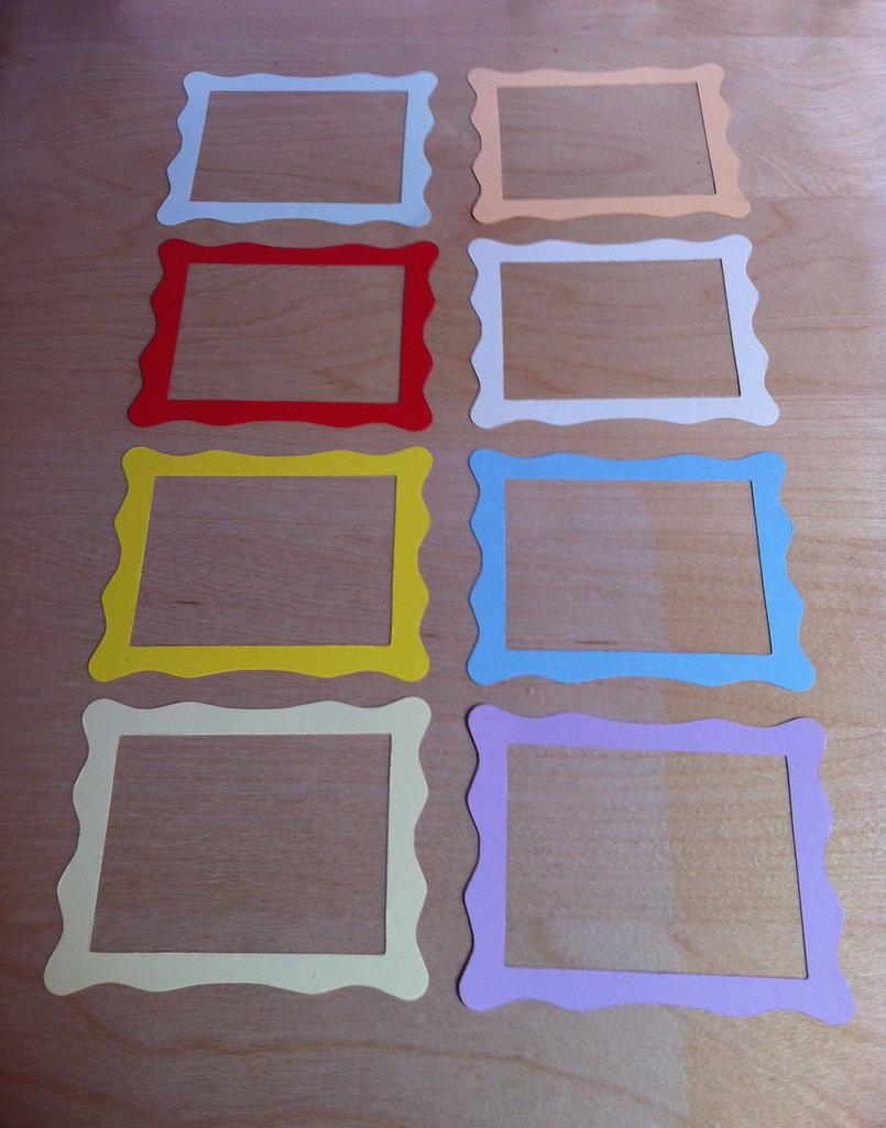 Cornici in cartoncino fustellato frame jelly per la for Una casa con cornice libera
