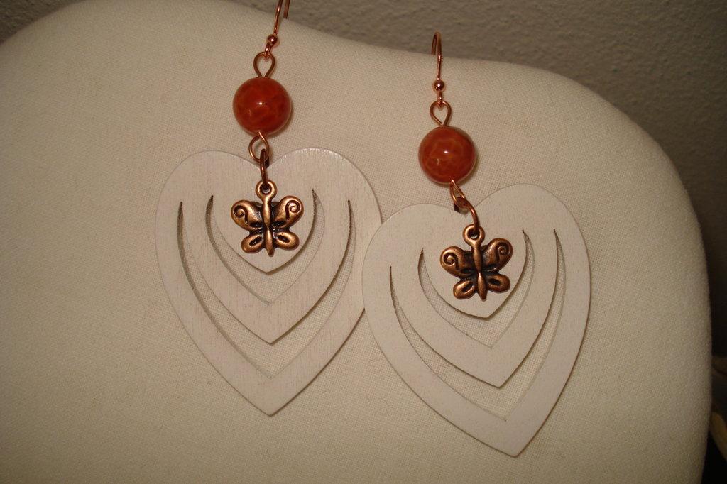 orecchini a cuore con farfalla