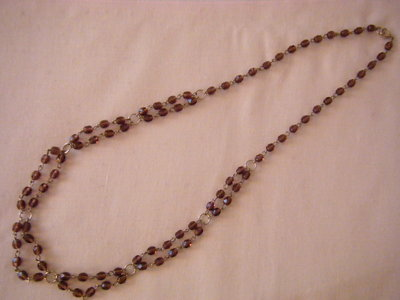 collana lunga con mezzo cristallo viola da 06 mm. fatta a mano