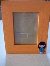 Cornice di legno arancione