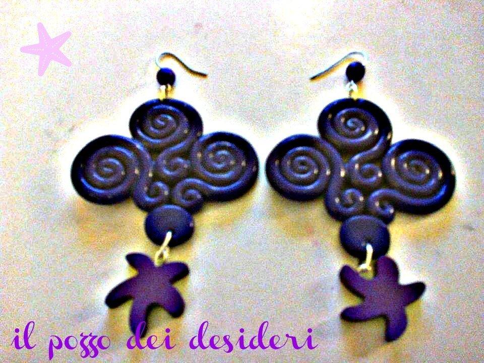 Orecchini ghirigori color viola fimo e perline