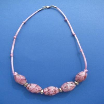 Collana in pietre dure rosa