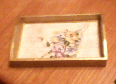 vassoietto in legno con decoro floreale