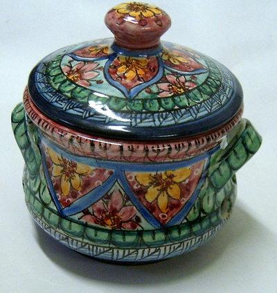 Portaaglio in ceramica.Realizzato completamente a mano.