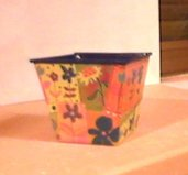portacandela/portavaso in metallo        vase or candle holder in metal