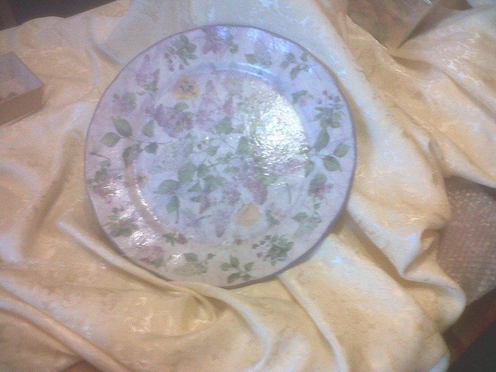 piatto in ceramica decoro fiori