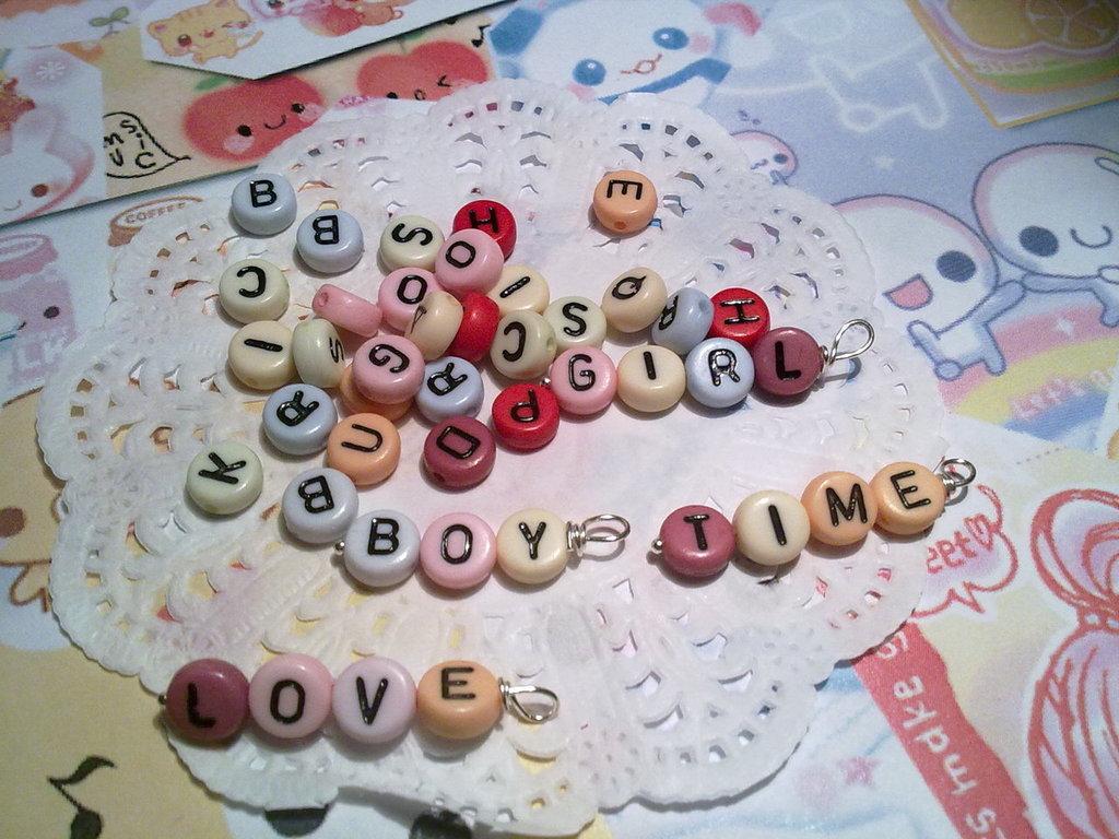 Perline con lettere