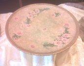 piatto tondo decoro fiori rosa