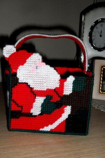 Babbo Natale in plastic canvas
