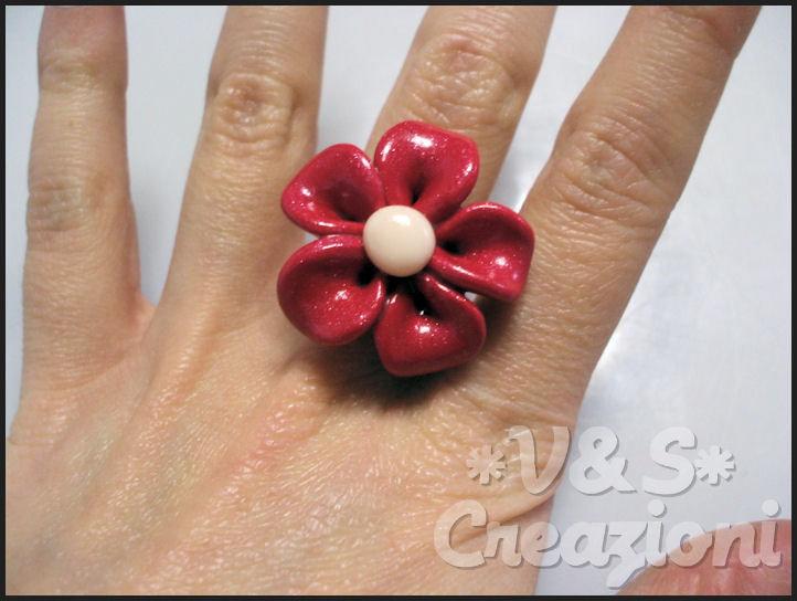 Anello fiore rosso