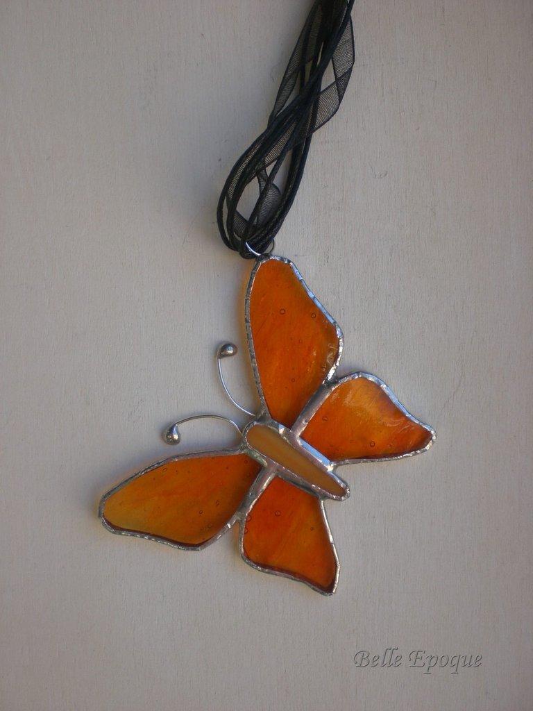 Ciondolo farfalla vetro