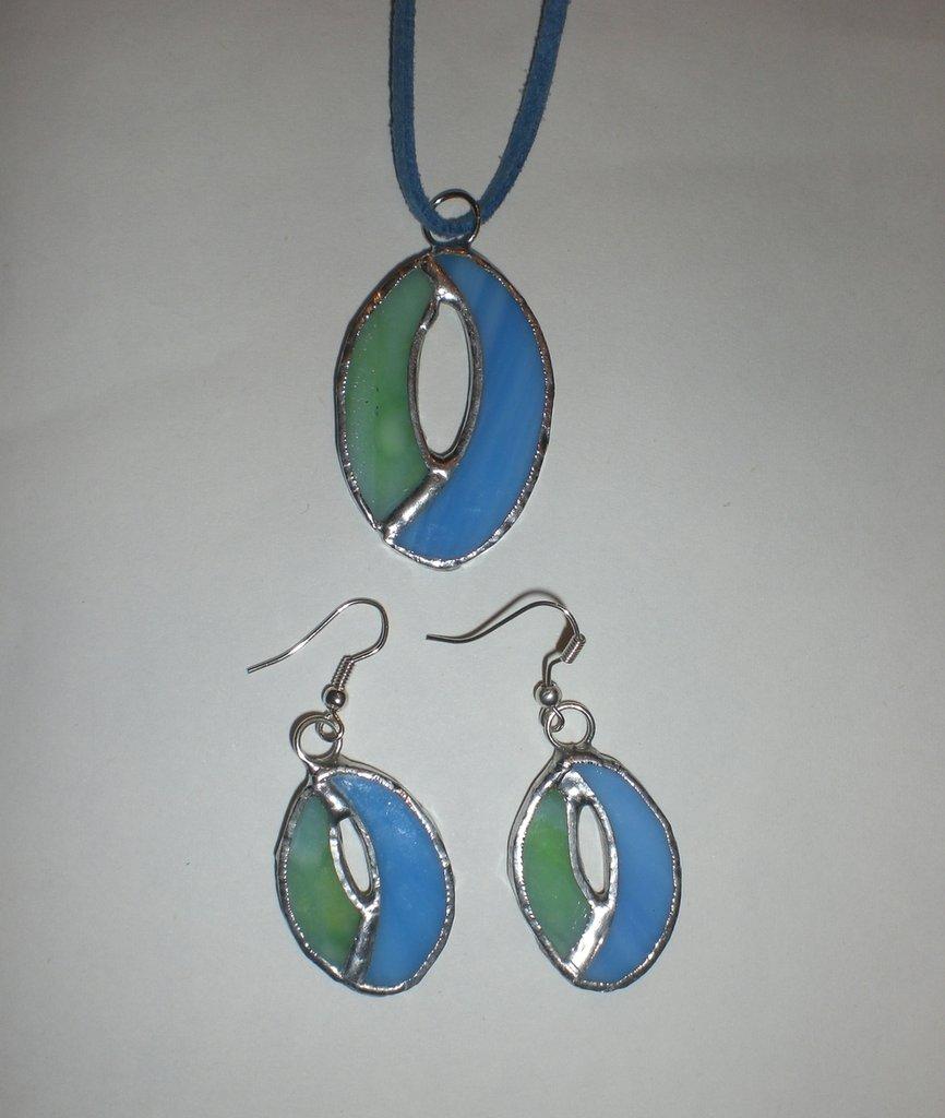 collana con orecchini vetro Tiffany