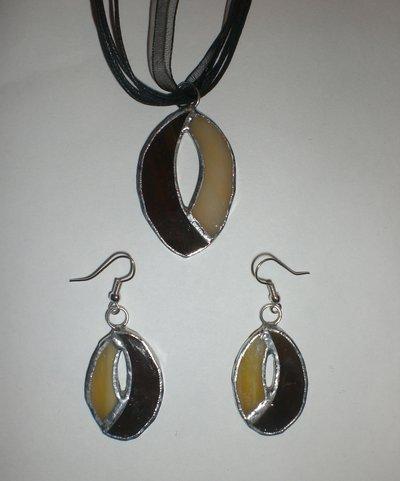 Collana e orecchini di vetro Tiffany