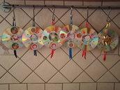 cd natalizi con effetto multicolor decorati