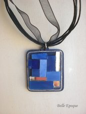 Ciondolo mosaico di vetro azzurro