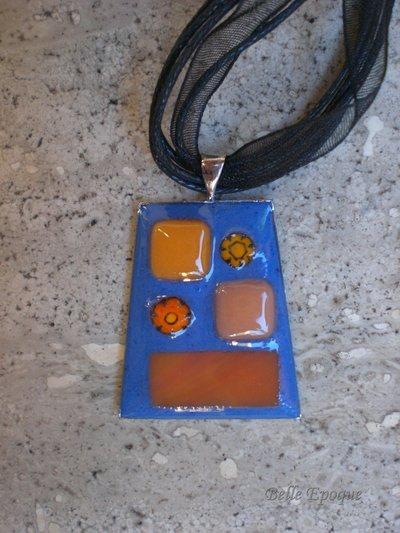 Ciondolo mosaico di vetro arancio e blu