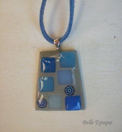 Ciondolo mosaico di vetro azzurro e grigio