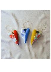 Tre cuori profumati decorazione o profumatore per armadi