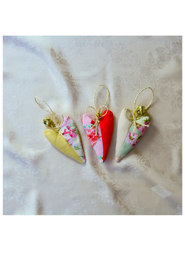 Tre cuoricini profumati o decorazione