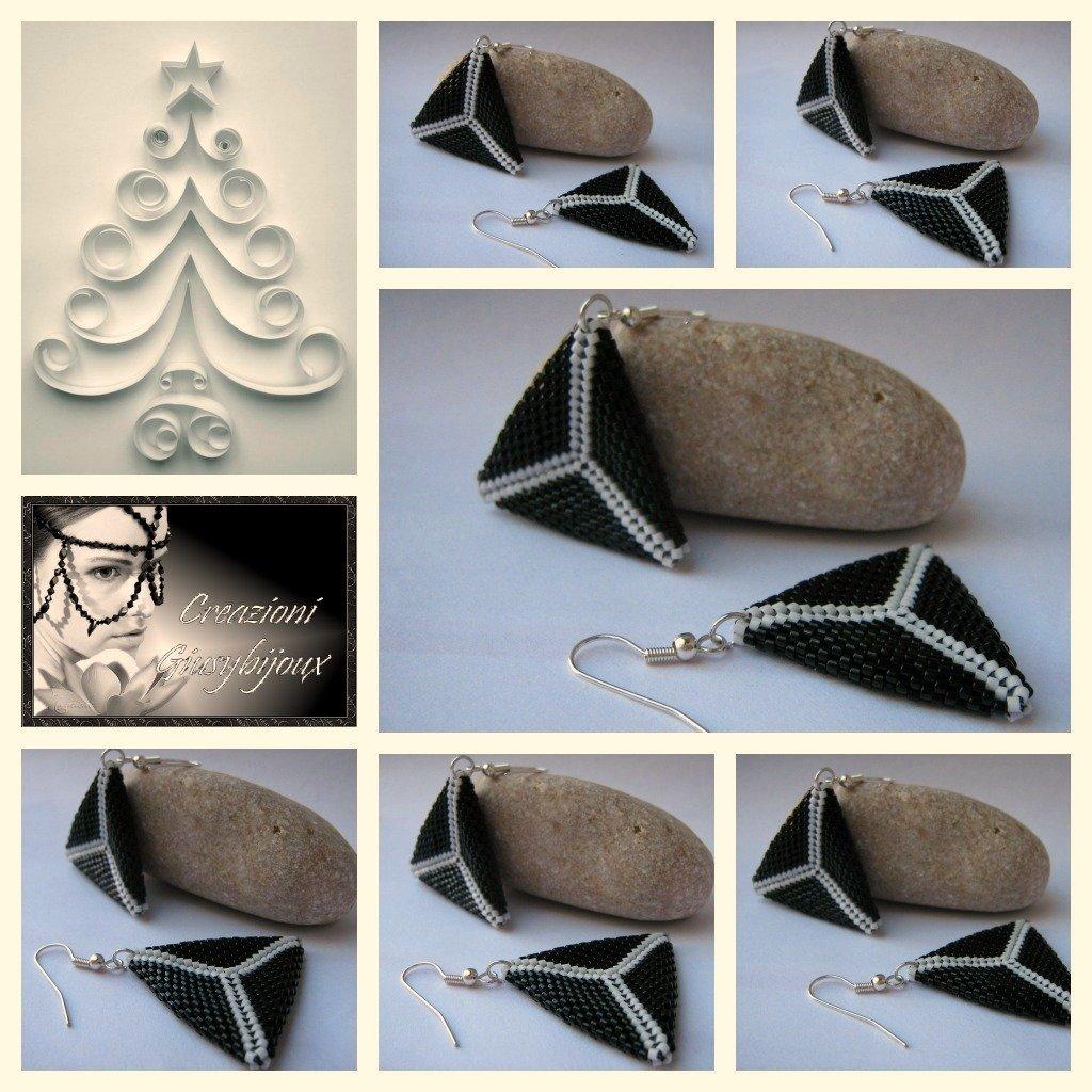 orrecchini  pendenti optical bianchi e neri triangolo peyote fatto a mano
