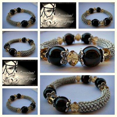braccialetto elastico elegante  con pietre preziose  con corniola tonda e mezzi cristalli trasparenti color champagne fatto a mano