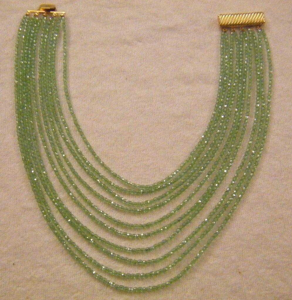 bellissima collana girocollo a 10 giri in mezzo cristallo verde