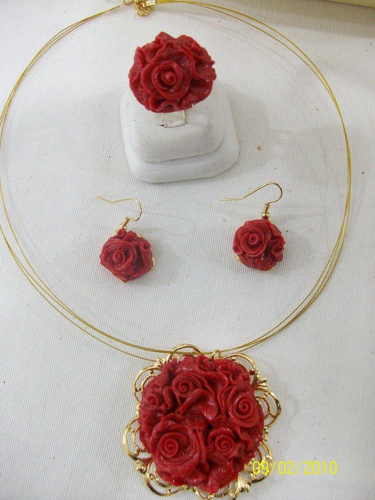 SET in eco CORALLO (girocollo+orecchini+anello regolabile)