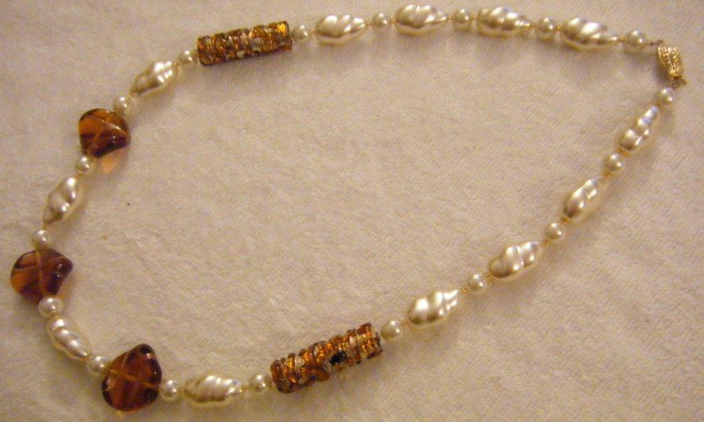 collana con perle in vetro e vetro di murano