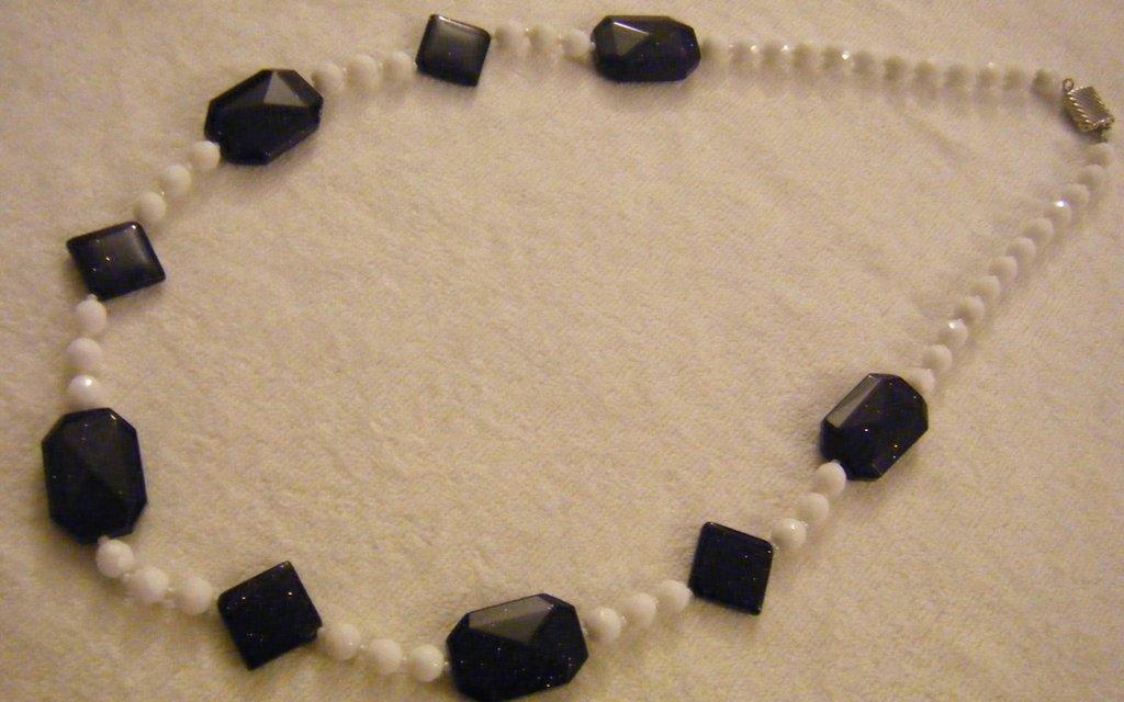 collana lunga con mezzo cristallo bianco e pietre dure pietra della luna