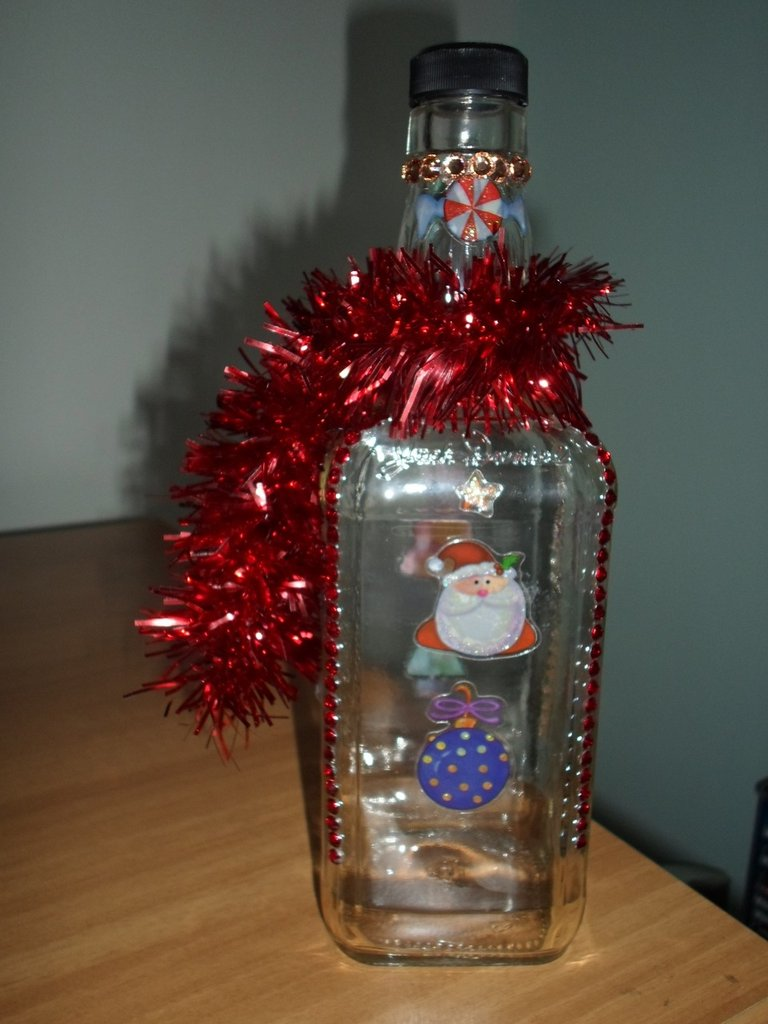 bottiglia di vetro decorata