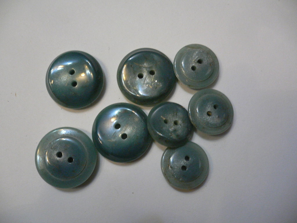 bottoni grigi