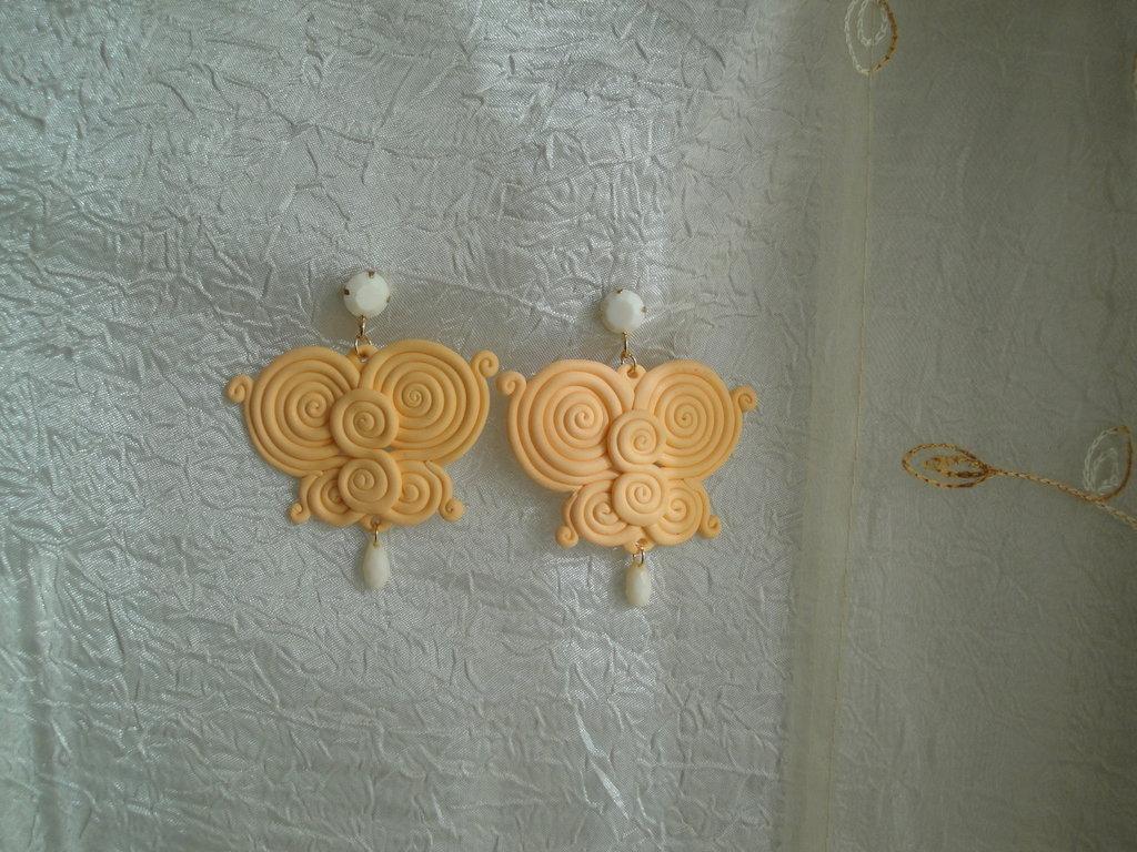 orecchini con farfalla