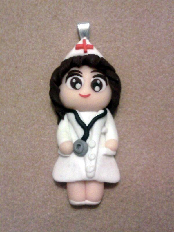 Ciondolo con infermiera fimo