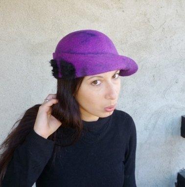 Cappello di feltro violetto!
