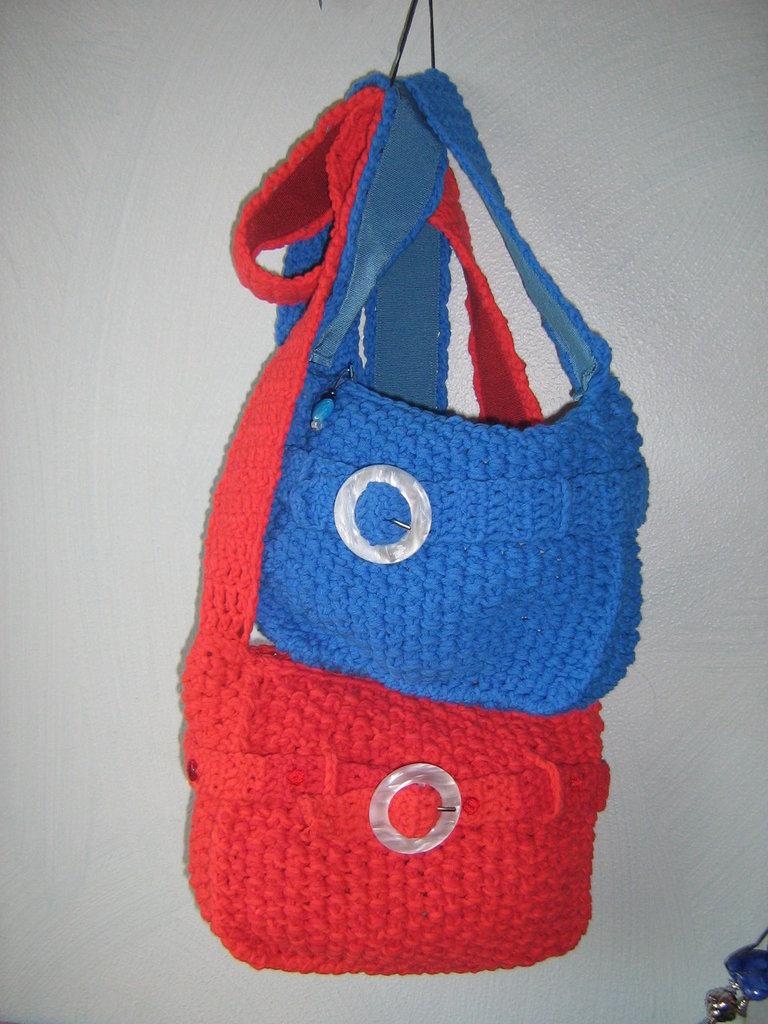 borse tracolla con chiusura zip