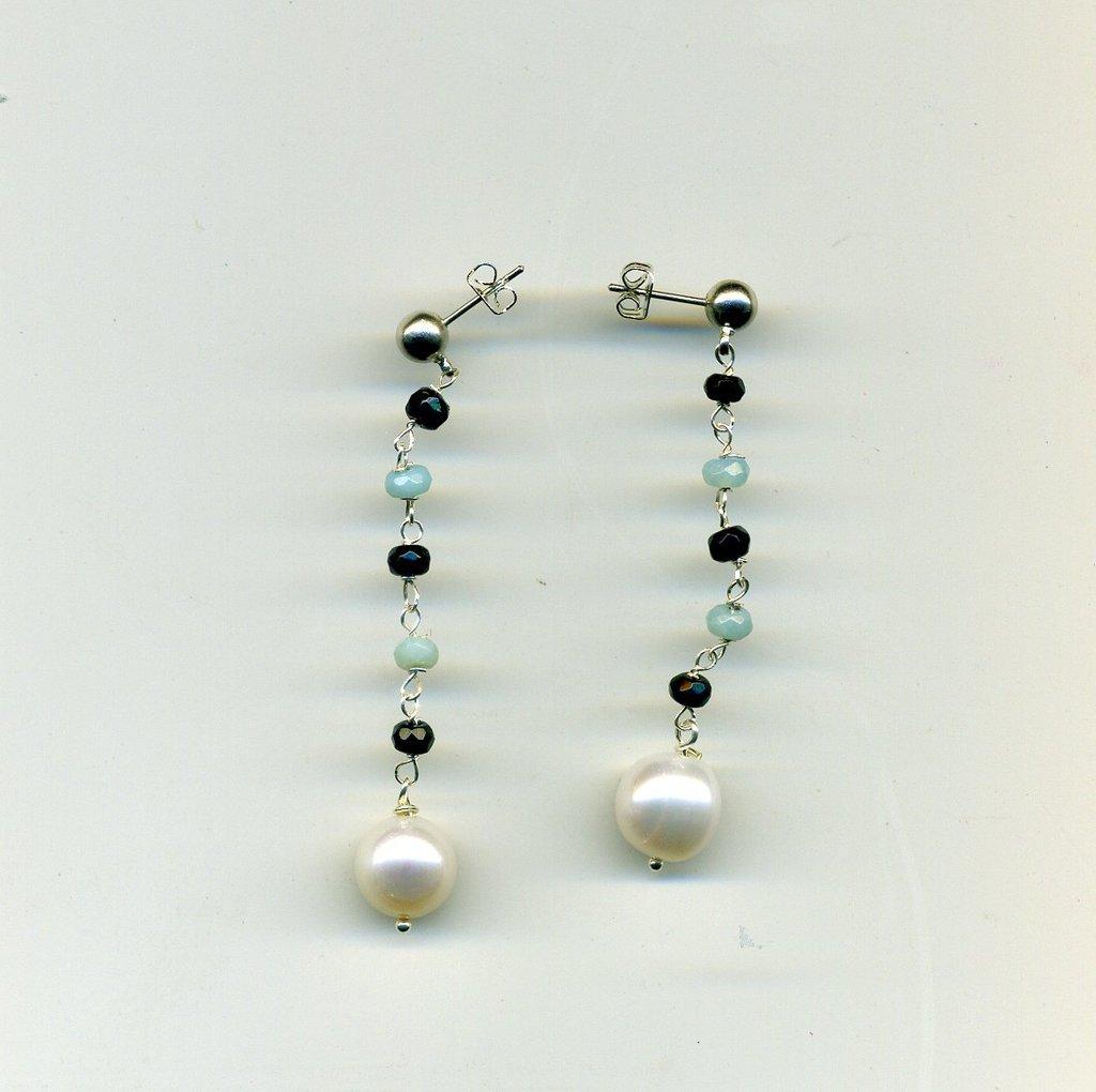 Orecchini con perla di fiume e microacquamarine