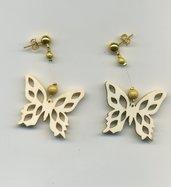 Orecchini con farfalla in compensato
