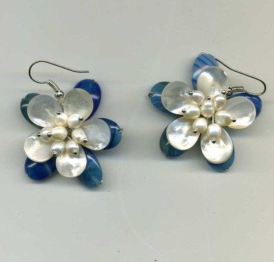 Orecchini con fiore in agata striata blu