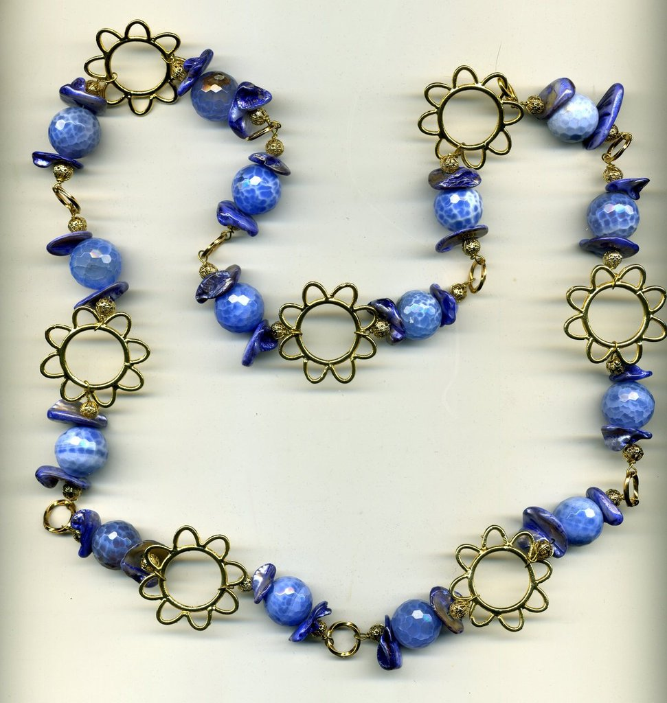 Collana con agata dendritica azzurra e madreperla