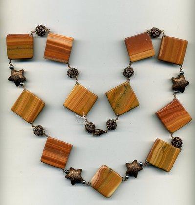Collana autunnale in agata mou e stelle in bronzo