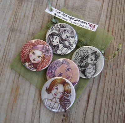 Set di 5 spillette(3,7cm) - Set of 5 pinback buttons(1.5 Inch)