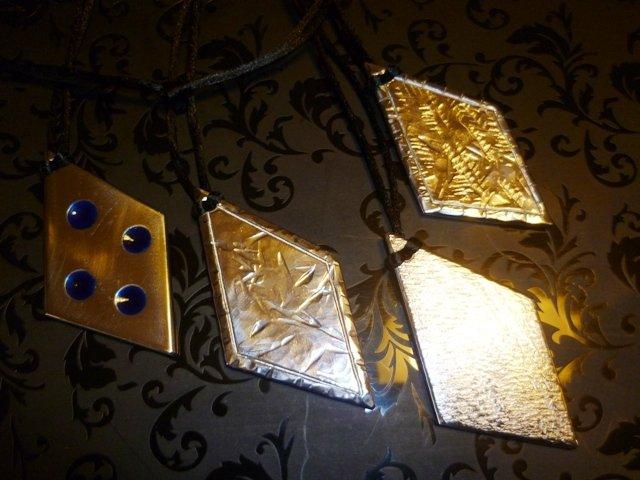 Ciondolo in acciaio lavorato ed intagliato a mano in stile celtico