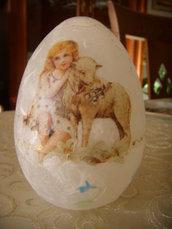 Uovo pasquale decorato a mano