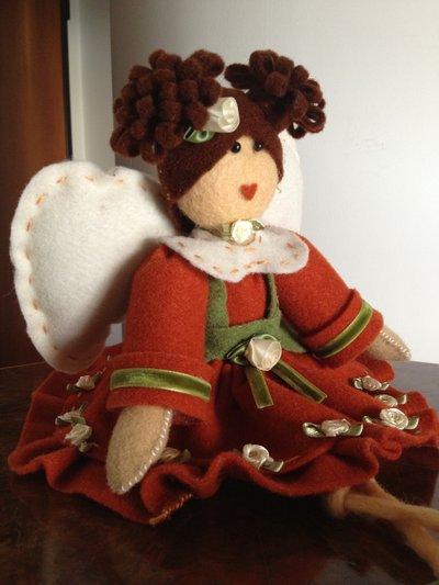 bambola in feltro modello angioletto