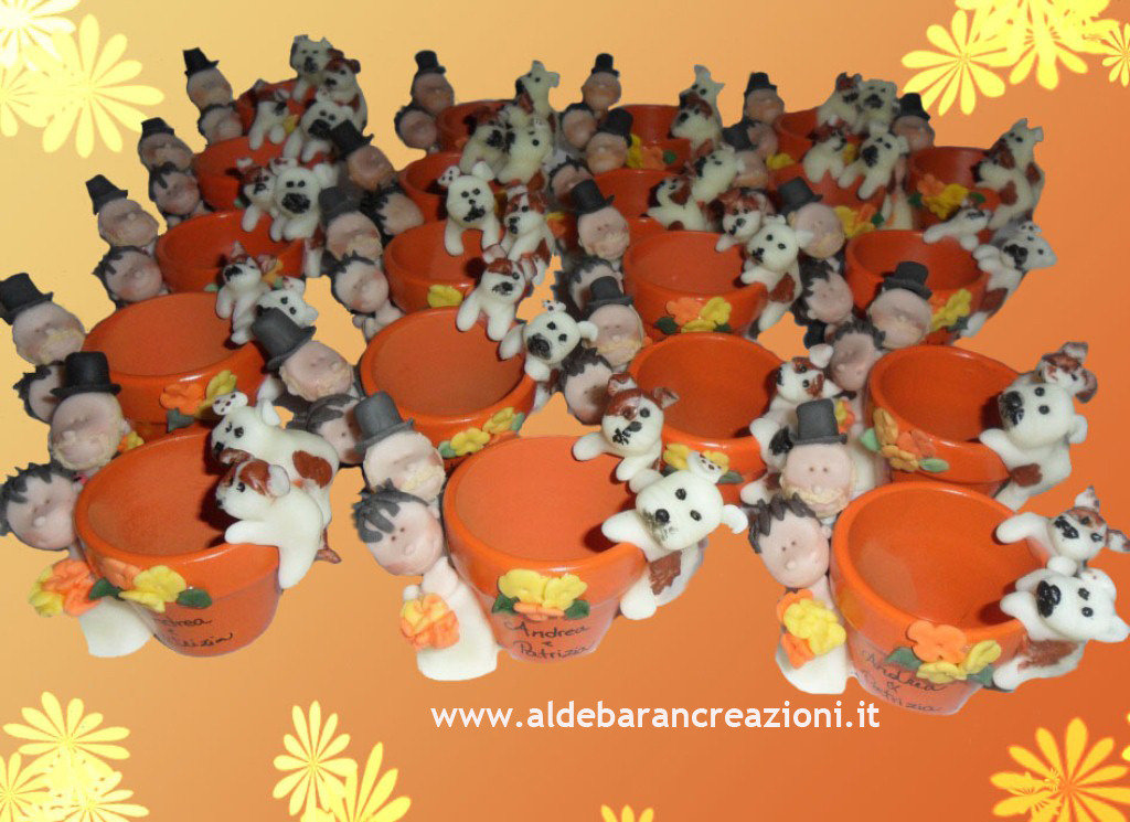 Vasetti decorati con sposini