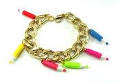 Bracciale con catena oro e matite colorate anni 80