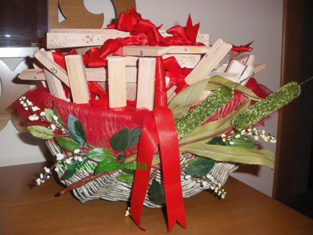 cesto con ventagli per cerimonia