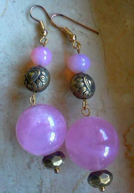 orecchini con pietra rosa