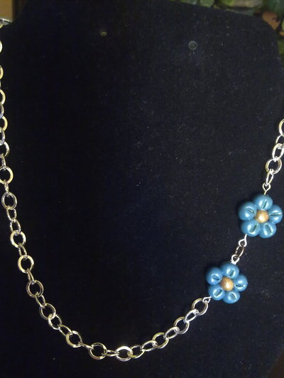 collana con 2 fiori