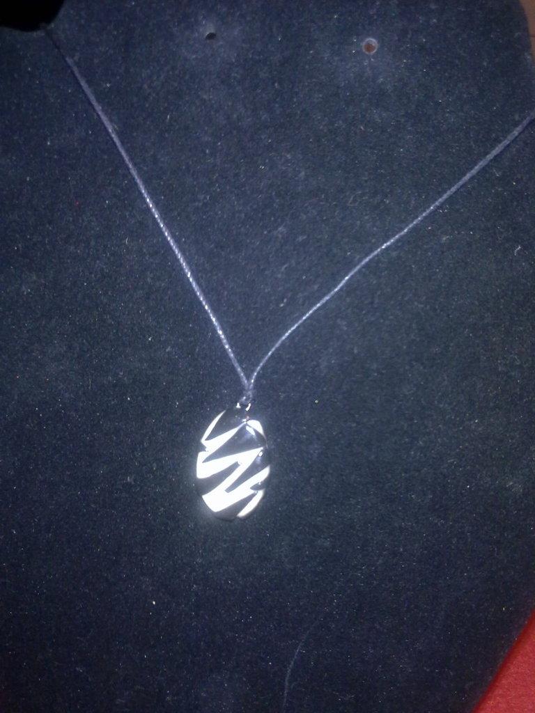 ciondolo zebrato